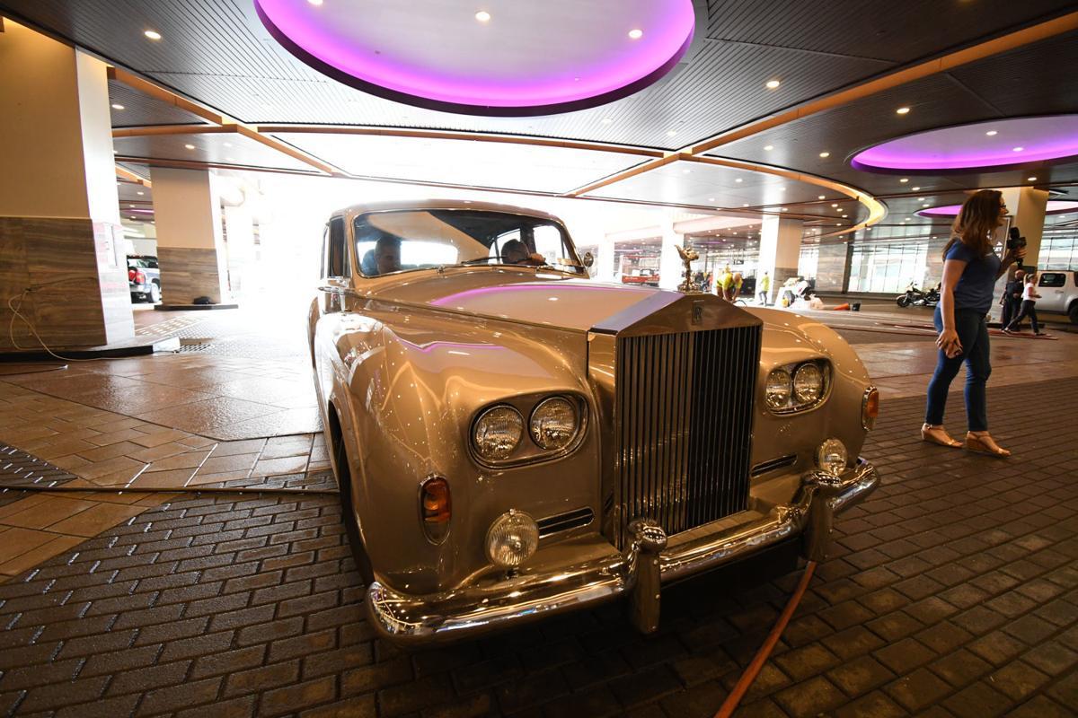 Michael Che Brings His Deadpan Deliveries To Borgata Arts - Borgata car show
