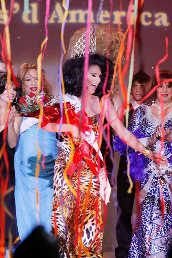 Kind of a Drag: Divas at Resorts