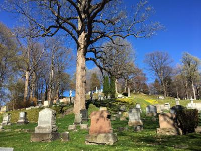 Fort Hill Cemetery 2.JPG