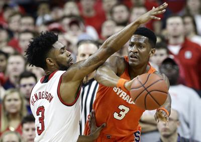Gillon Scores 43 As Syracuse Men S Basketball Defeats N C State In