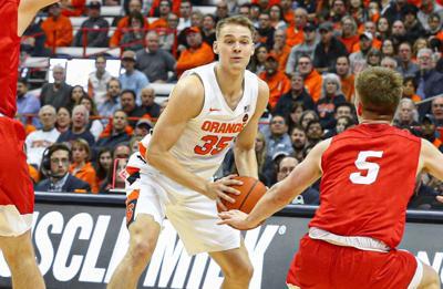 Boeheim Scores Career High 22 As Syracuse Basketball Romps