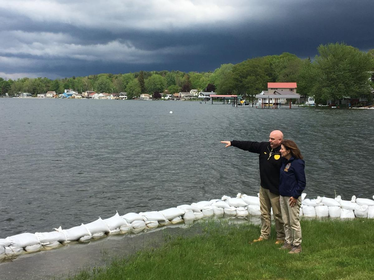 Hochul surveys flooding 1