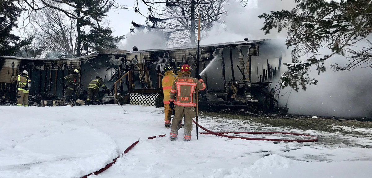 Fire destroys mobile home in Cayuga County   Local News ... on barns turned to homes, small shed homes, metal building homes,