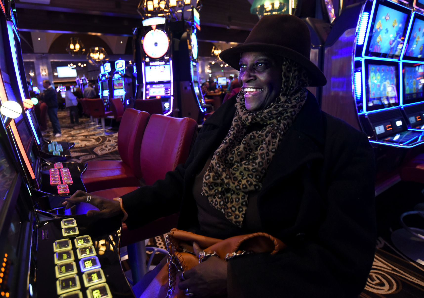 Casino finger lake new york rolling hills golf and casino