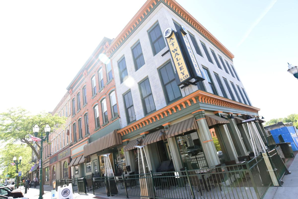 Restaurants That Allow Dogs Chicago