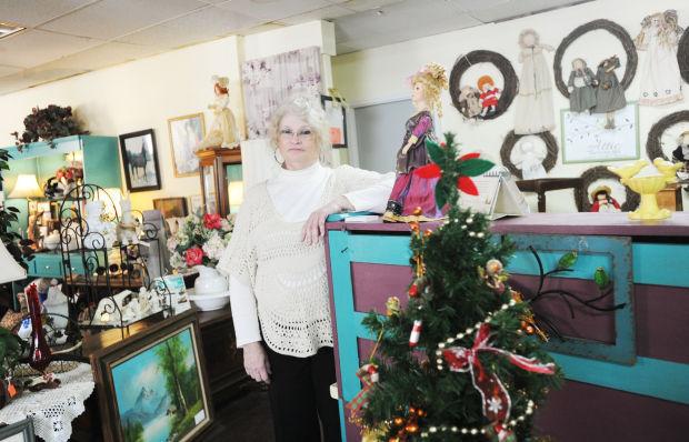 Vintage Boutique Fledgling Auburn Antique Store Offers A Little