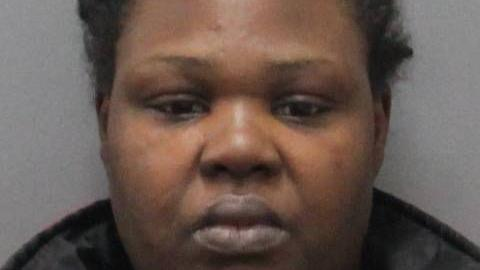 Auburn woman stabbed man with butcher knife