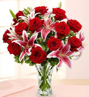 rose_and_lilly_bouquet__17339.1345144004.500.659.jpg
