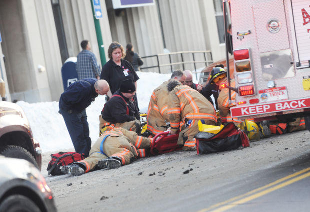 woman transported to syracuse hospital after being struck by car in downtown auburn local news. Black Bedroom Furniture Sets. Home Design Ideas