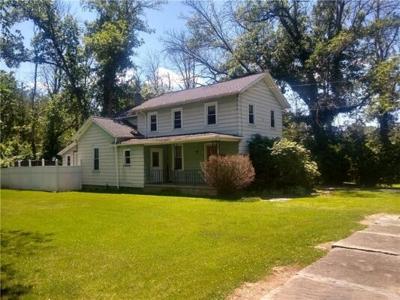 3 Bedroom Home in Seneca Falls - $72,500