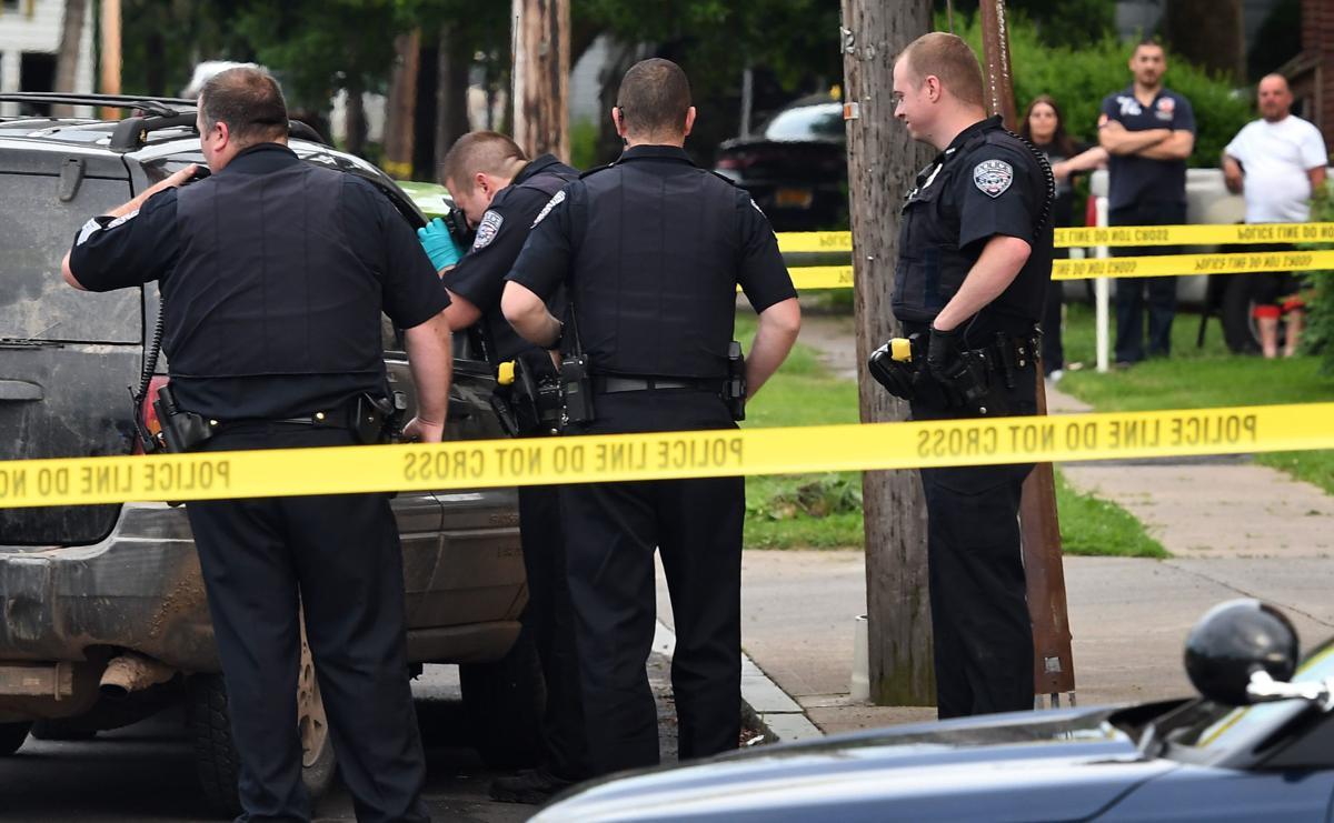 Guns seized after car crash in Auburn