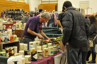 Holiday shopping in full effect at Auburn college craft fair