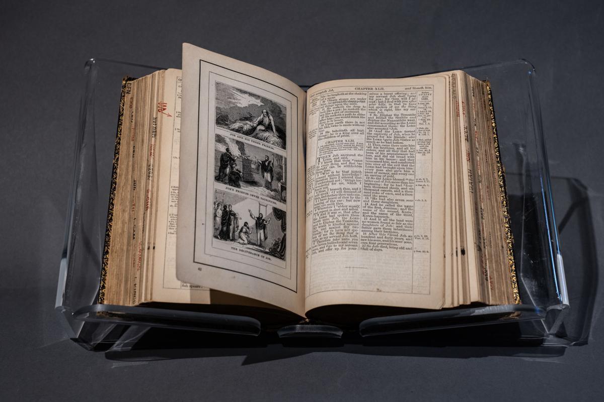King James Pictorial Bible.jpg