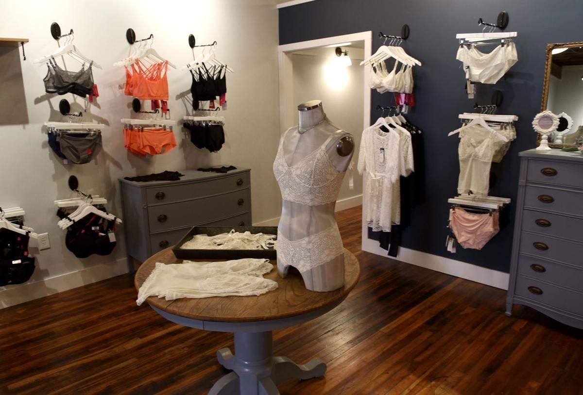 Lingerie Store2.JPG