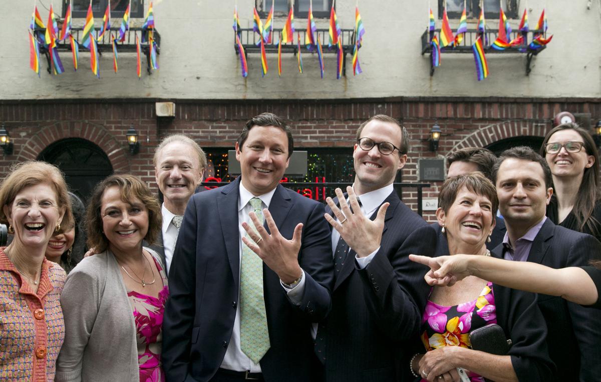 Video Gov Andrew Cuomo Officiates Gay Couple S Wedding Ceremony At Stonewall Inn Eye On Ny Auburnpub Com