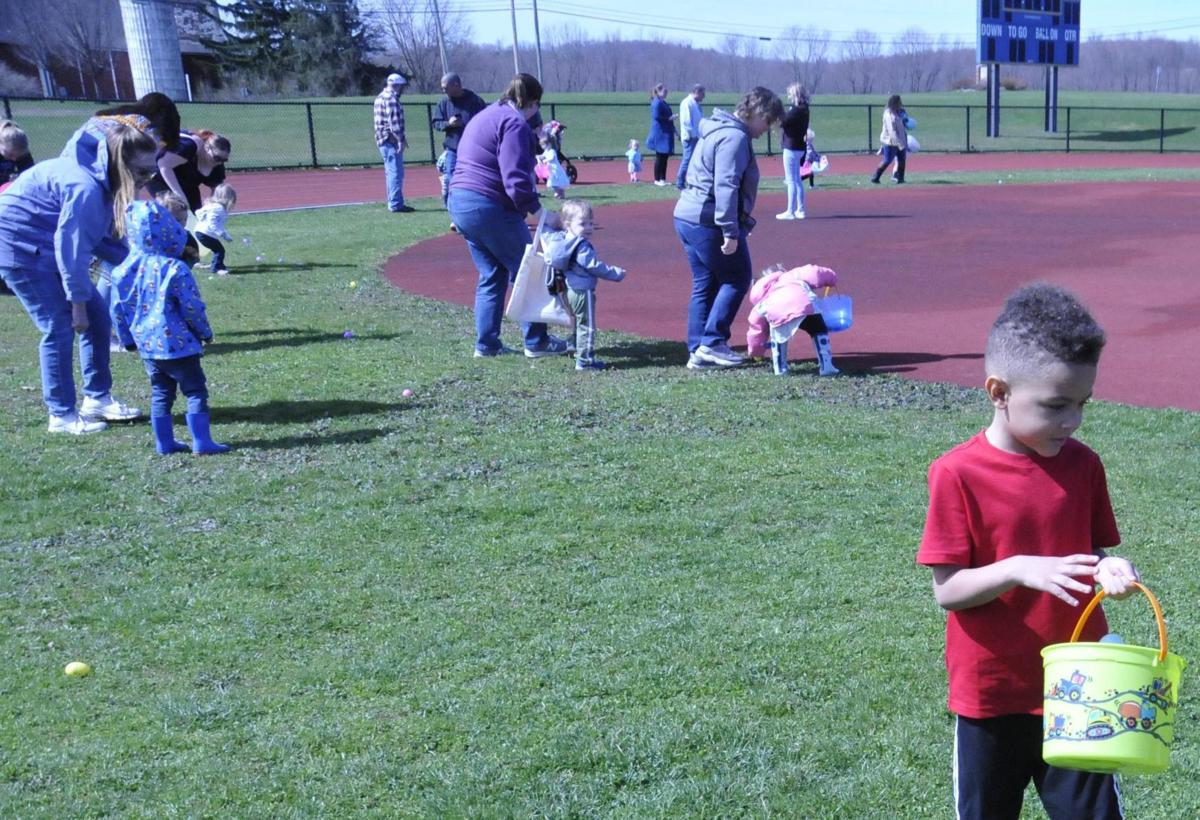 Children dash for candy, prizes at Easter egg hunt in Cayuga County town of Cato