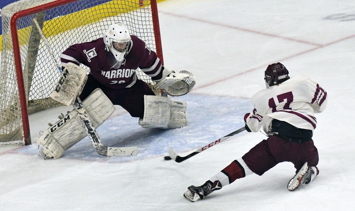 Auburn Clinton Hockey 4.JPG