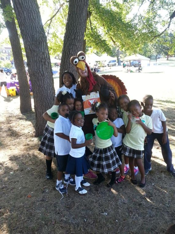 y s annual turkey trot 5k benefits families in need relaxer avenuenews com