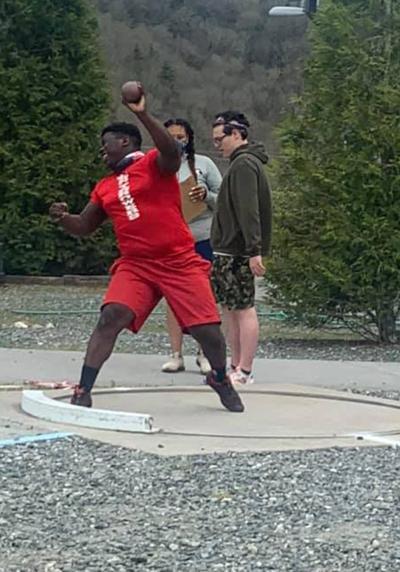 J'Leyn throws