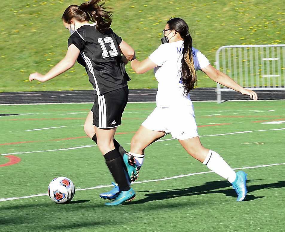 Emree Hoilman soccer Madison