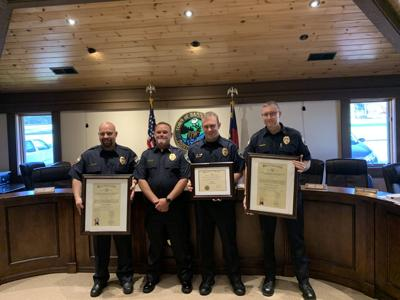 Police Officers receive award
