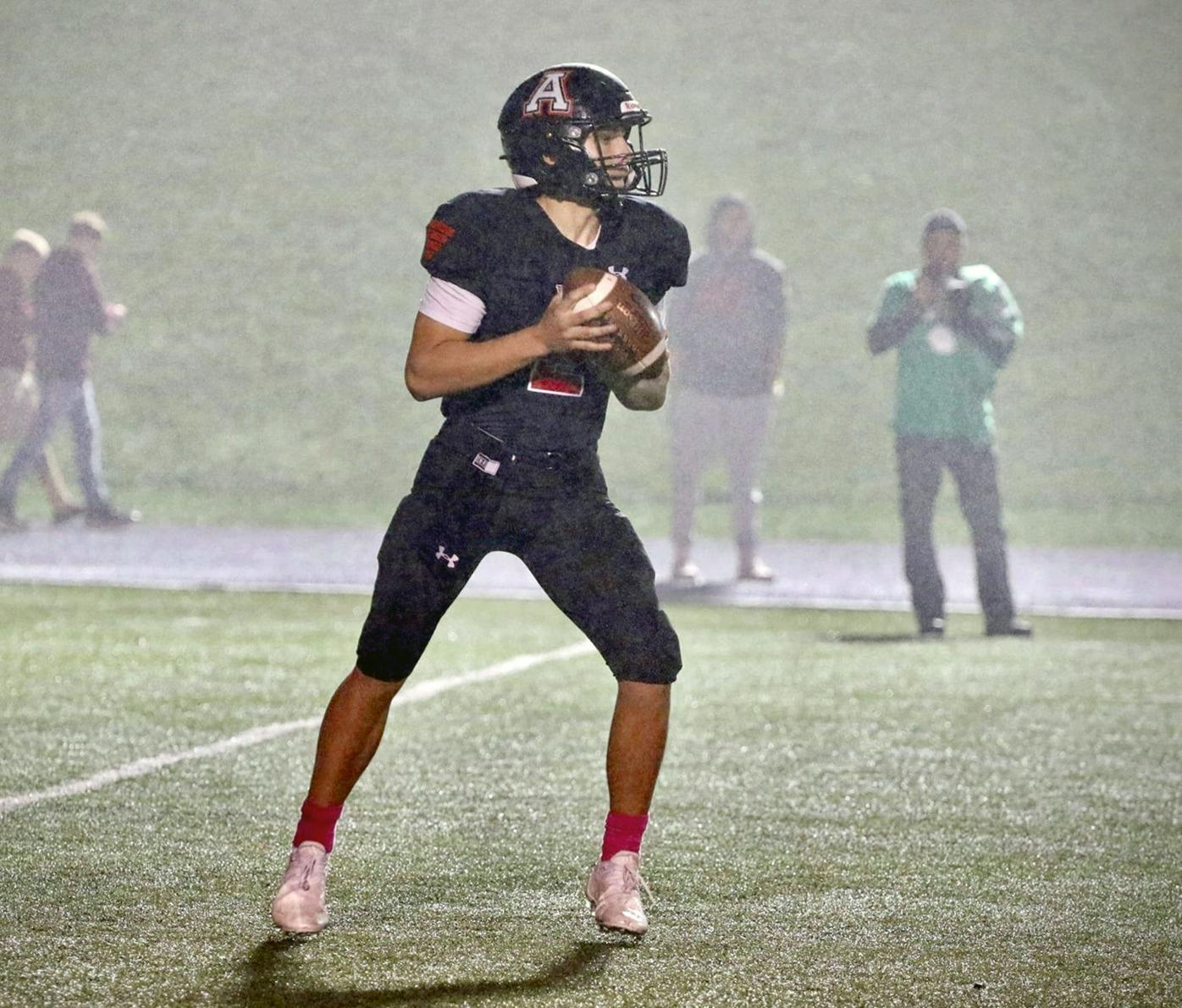 Stanford looking to pass in steady rain