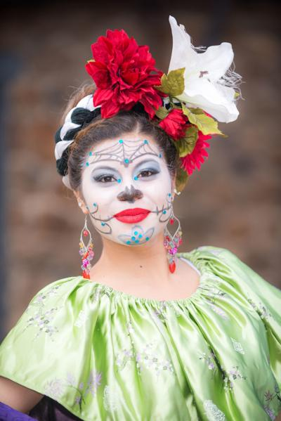 Folklorico Dancer (secondary image)