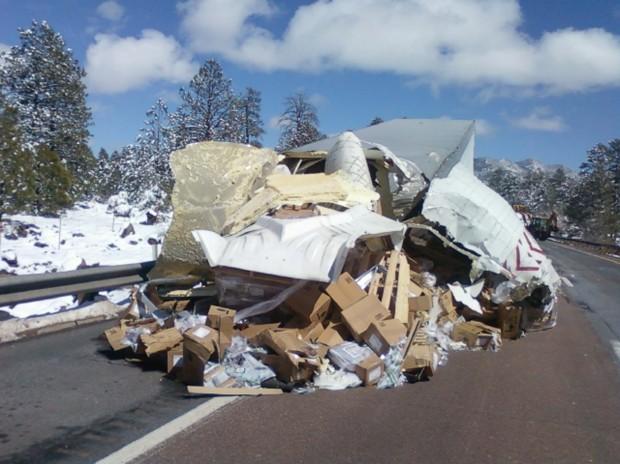 Crashes close sections of I-40 Sunday | Local | azdailysun com