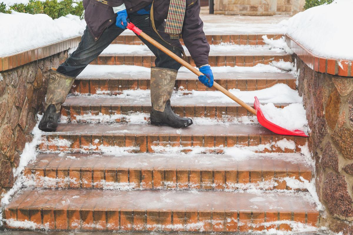 LIFE HOME-SNOW-REMOVAL-TIPS TB