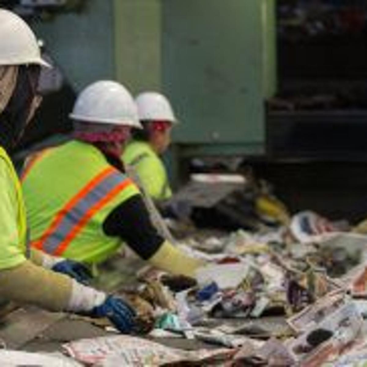 Phoenix recycling officials: Plastic bags contribute to lost time