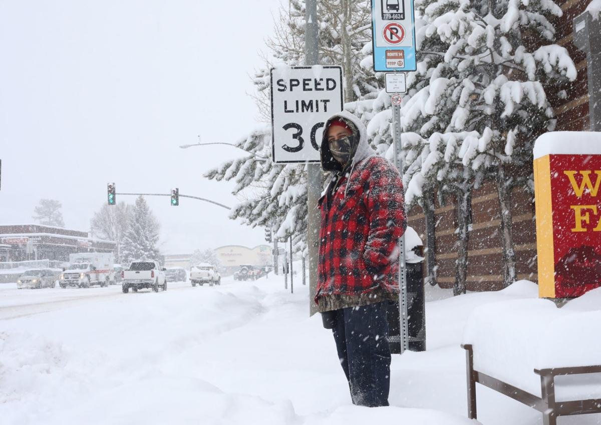 92ca546b4 Flagstaff snow surpasses records, forces closures; County and city declare  state of emergency