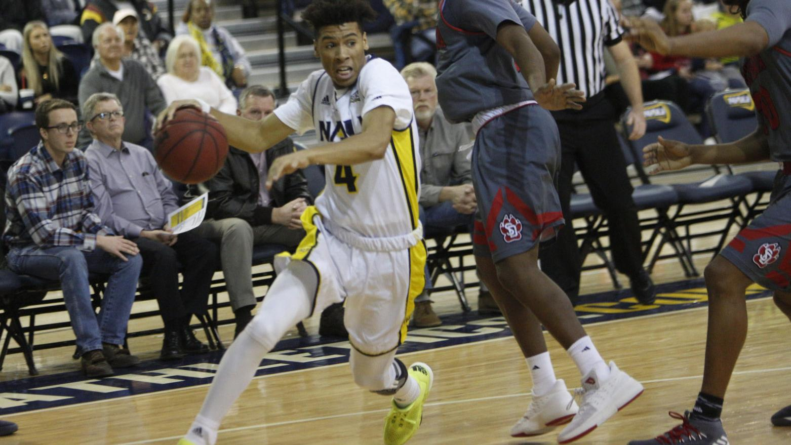 NAU falls to South Dakota as Anderson breaks out for career high