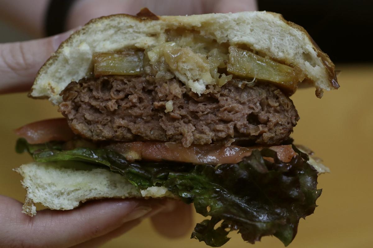 BIZ BEYOND-MEAT 1 LA