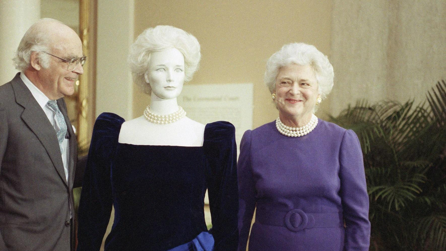 5 things to know about former first lady Barbara Bush
