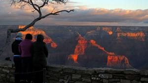 Toilet paper, trash show Grand Canyon still busy