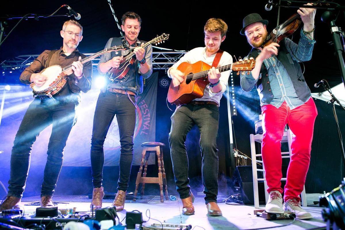 We Banjo 3 - Yvonne Vaughan Photo