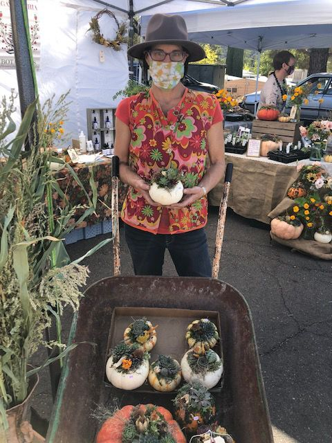 LFH-The author selling her botanical creations at the farmers market. Photo by Kelly Watters.jpg