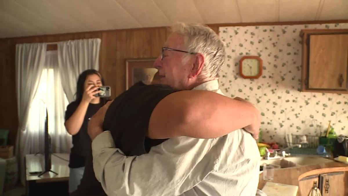 89-year-old pizza delivery driver gets $12,000 tip surprise from 'TikTok Family'