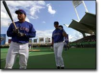 Puerto Rico welcomes Rangers, Blue Jays