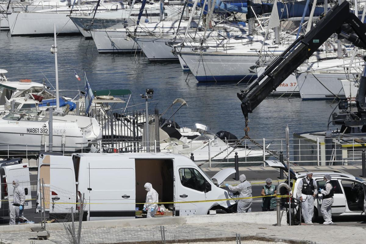 photos 1 dead 1 injured as van rams bus stops in marseille france world. Black Bedroom Furniture Sets. Home Design Ideas