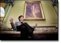 Laura Bush influences White House on education — and decor