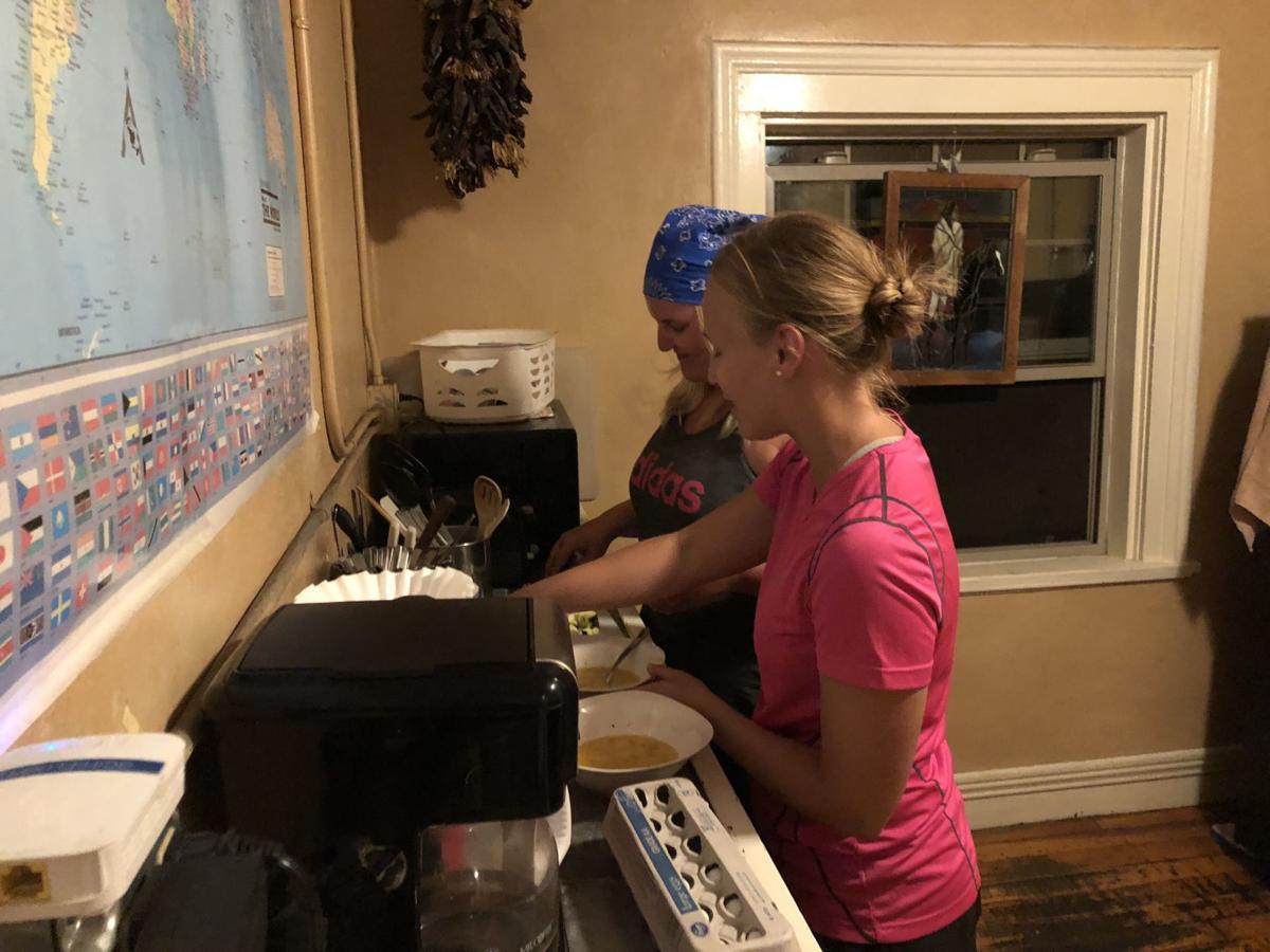 cooking hostel germans