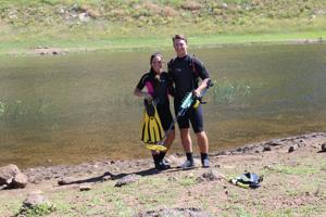 Diving for lost treasure: Couple finds phones, wedding rings in northern Arizona waters