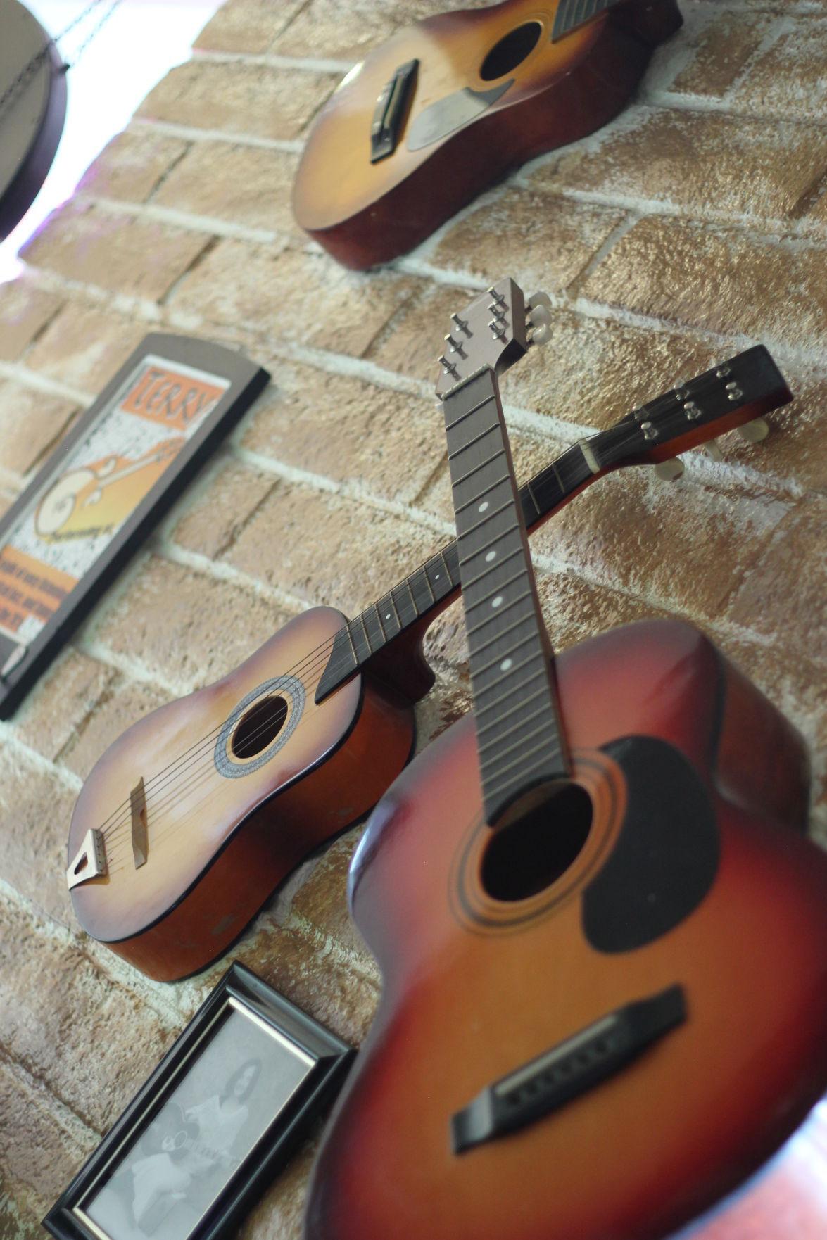 Guitar decorations