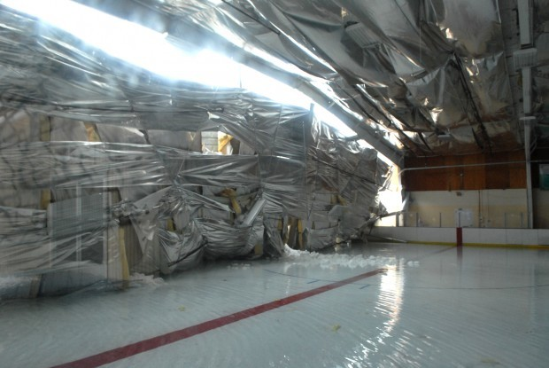 Ice Rink Roof Caves In Local Azdailysun Com