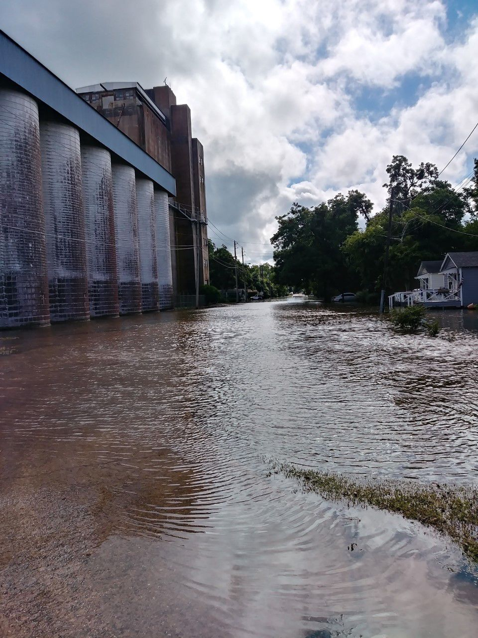 Widespread flooding targets area