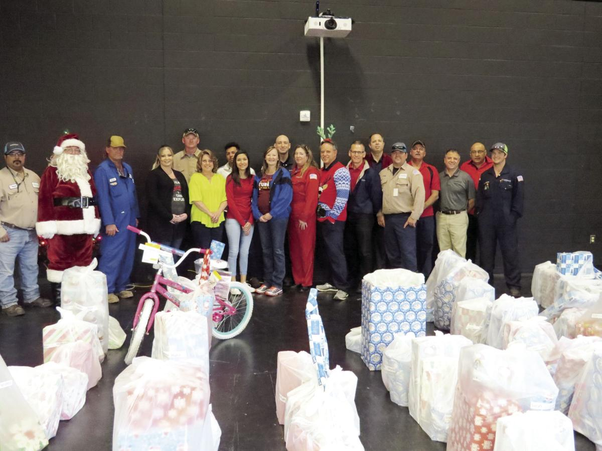 LyondellBasell brightens holiday for hundreds of local elementary
