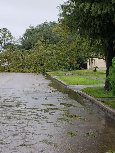 Nicholas strengthens to hurricane ahead of Texas landfall