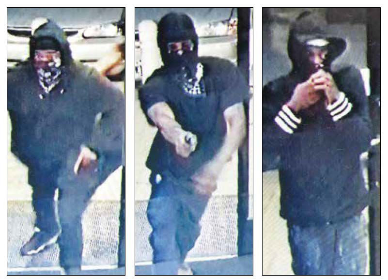 Baytown PD seeking armed robbers