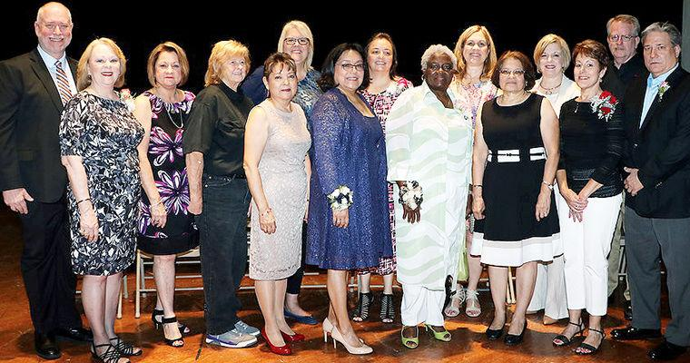 Goose Creek honors retirees, top teachers | Local | baytownsun.com